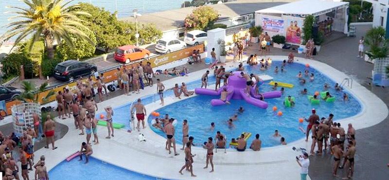 Delice Dream Torremolinos Pool Party